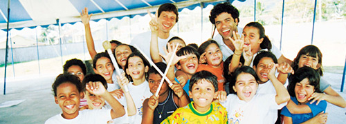 A Fundação Gol de Letra também tem o apoio do Banco Daycoval